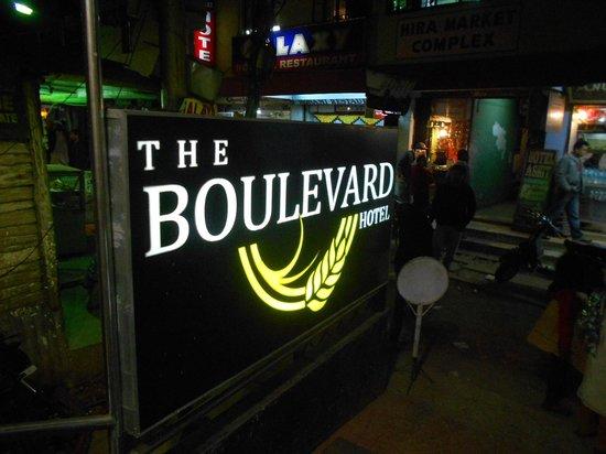 The Boulevard Hotel: Logo