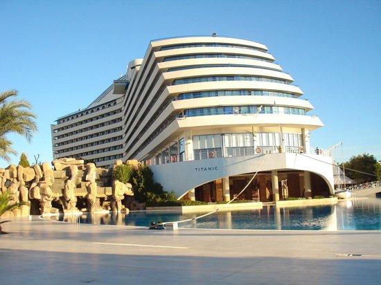 Titanic Beach Lara Hotel: hotel view
