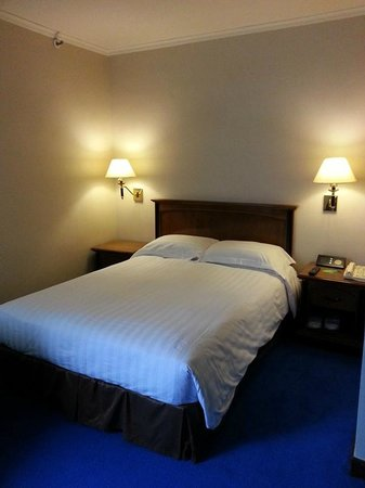 Kimberley Hotel: Clean room, but small