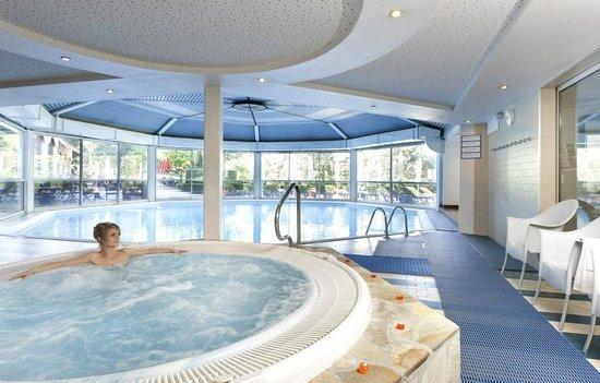 Mercure Aix Les Bains Domaine de Marlioz: piscine chauffée