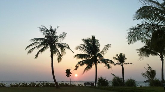 Bay of Bengal Resort: view from the hotel pool at sunset