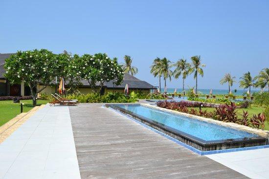 Bay of Bengal Resort: pool area