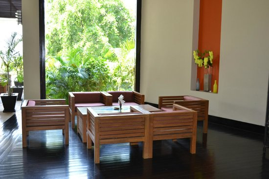Bay of Bengal Resort: part of the lobby