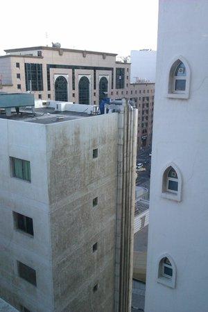 Landmark Plaza Baniyas Hotel: View from elevator corridore