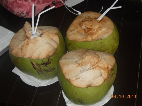 Bay of Bengal Resort: fresh coconut water