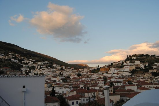 Hydra Icons Guest House : The view early in the morning