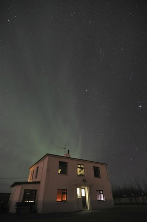 ‪‪Gunnarsholmi Guesthouse‬: Northern lights outside the Guesthouse