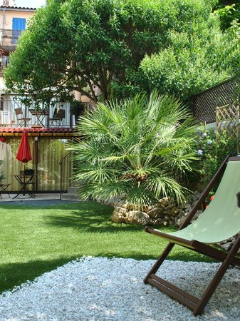 Le Petit Jardin : The garden