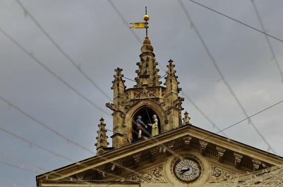 Hotel de l'Horloge: часы