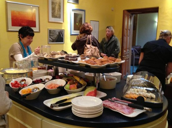 Salisbury Green Hotel: breakfast spread