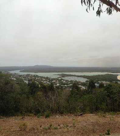 Noosa International Resort: View from lookout above Noosa