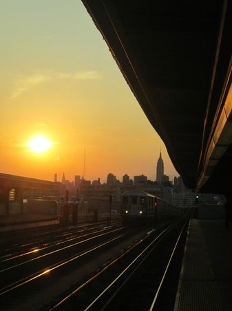 Red Roof Inn Queens: view from the train station. Manhattan Skyline