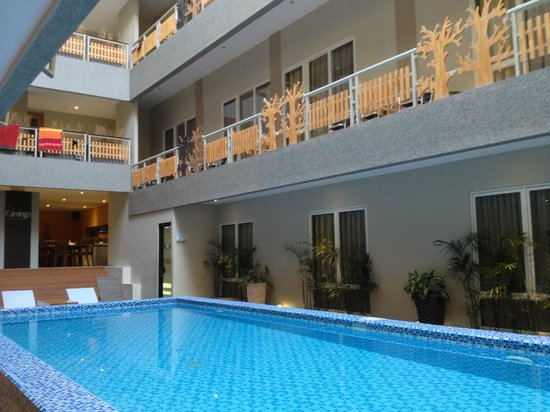 Rivavi Hotel: pool at ground floor
