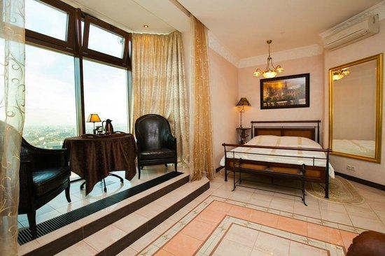 Triumph Palace Boutique Hotel: Suite Paris