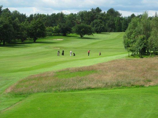 Cathcart Castle Golf Club: Enjoying a day on the course