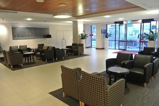 Ibis Christchurch: Ibis Hotel lobby