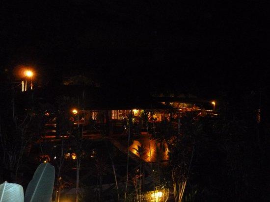 Jasy Hotel: Vista del comedor y pileta desde mi habitación