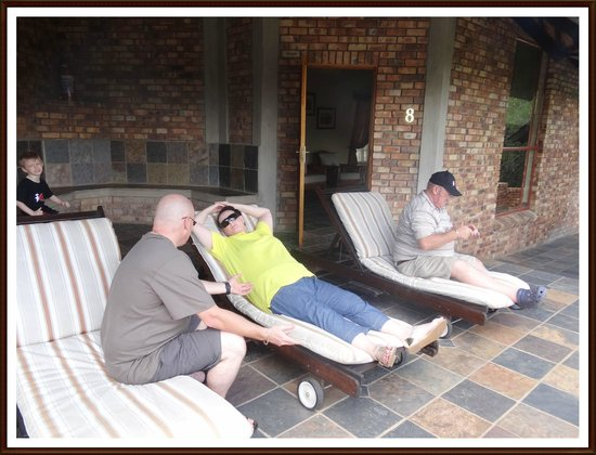 Elandela Private Game Reserve: THE DECK CHAIRS IN FRONT OF OUR ROOMS!
