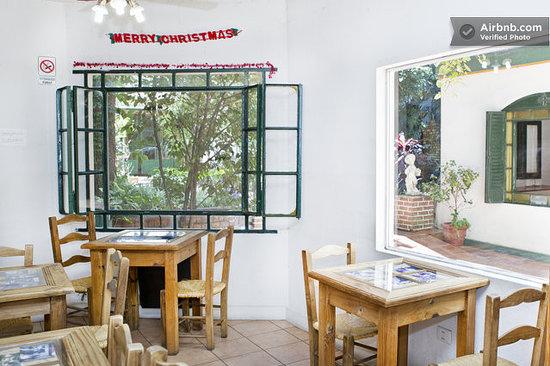 Caseron Porteno B&B: Breakfast place