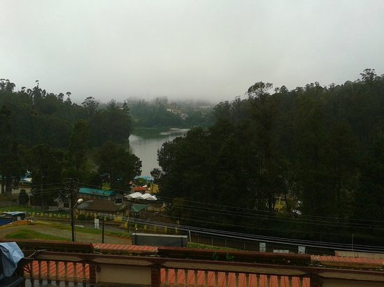 Hotel Darshan Ooty: Nice view from hotel