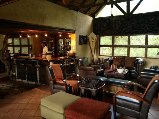 Pondoro Game Lodge: Main room