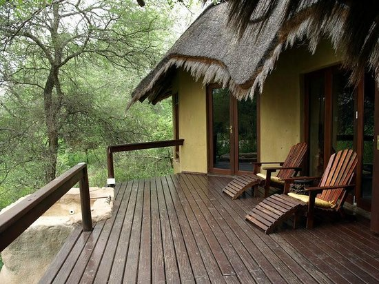 Pondoro Game Lodge: Our suite deck