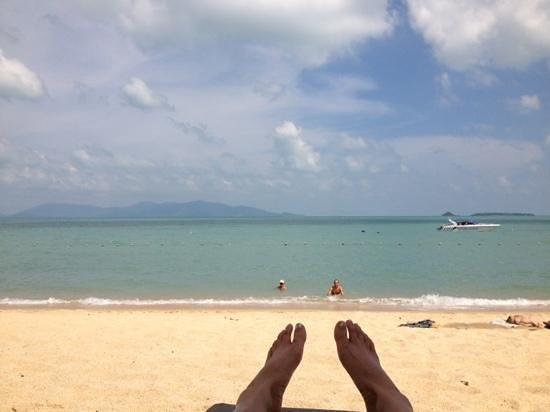 ‪‪Hansar Samui Resort‬: relaxing at the beach