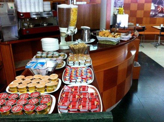Hotel Madrid Torrejon Plaza : Breakfast2