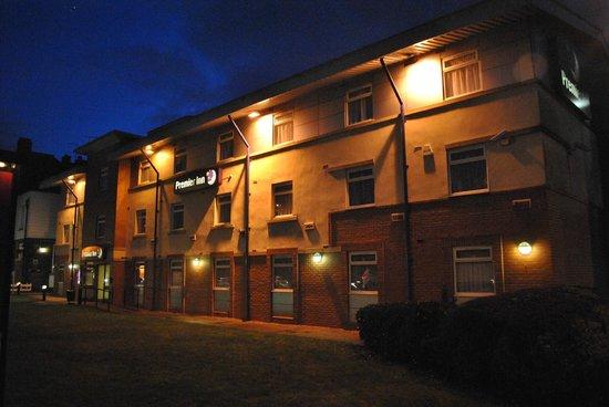 Premier Inn Manchester (Heaton Park) Hotel: Esterno dell'hotel