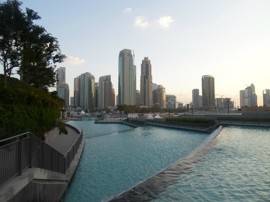 Dubai Marine Beach Resort and Spa: city view