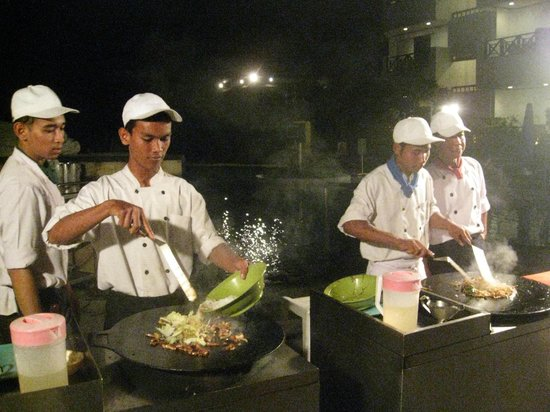 Club Bali Mirage: Mongolian BBQ Night outside in hotel grounds
