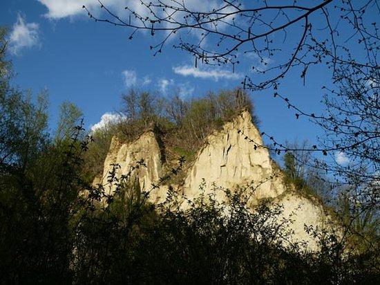 Monta, Italie : Rocche del Roero