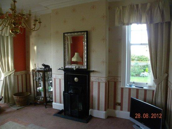 Pinewood Country House: salon de estar