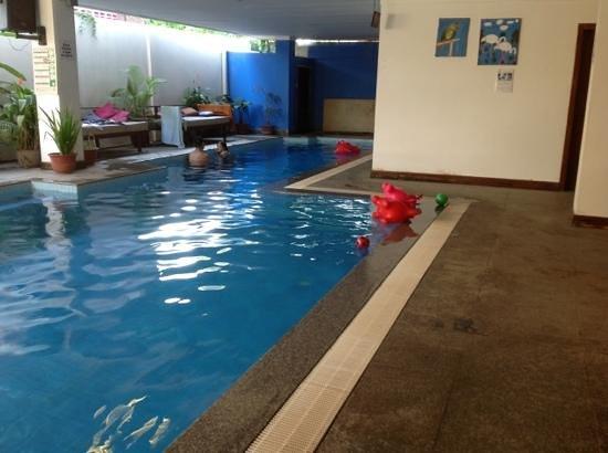 เดอะเสียมเรียบ โฮสเทล: grande piscine pour se rafraichir