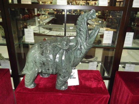 Run-ze Jade Garden: Jade elephant