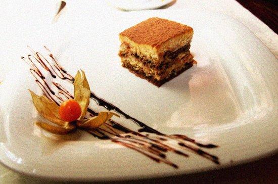 Come Prima Restaurante Italiano : tiramisu soberbo