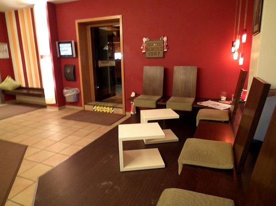 Hotel Scholz: Reception area