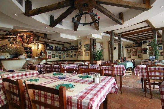 Amici Pizzeria: Ambient of Trattoria Amici