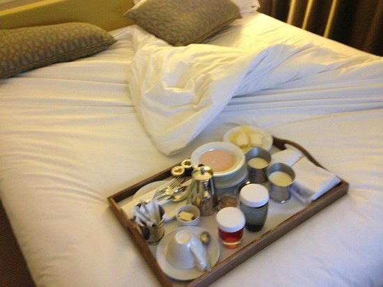 The Gibson Hotel: Bed