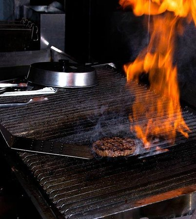 Hog Wild BBQ & Catering: Grilling those Burgers