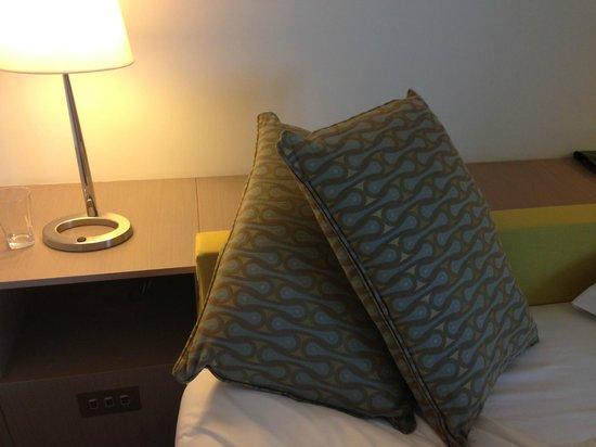 The Gibson Hotel: Luxurious pillows