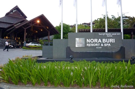 Nora Buri Resort & Spa: Entrance Hill Side