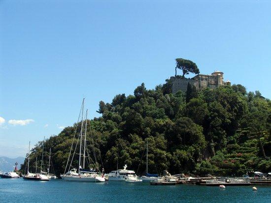 Portofino, Italia: View of Castle from harbor