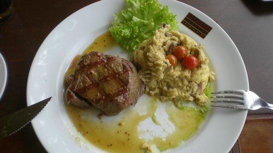 Los Ganaderos Capital Grille: tipical dish