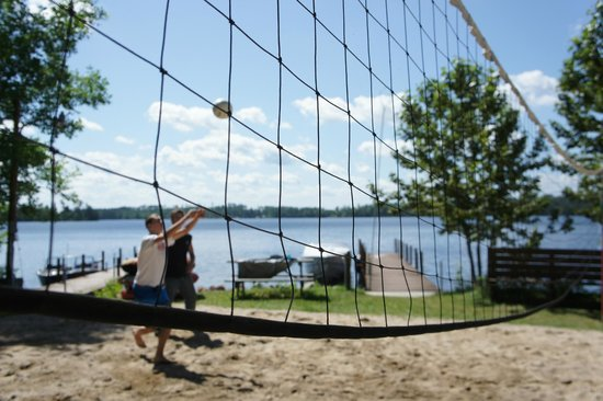 White Eagle Resort on Lake Vermilion: Lakeside Sand Volleyball