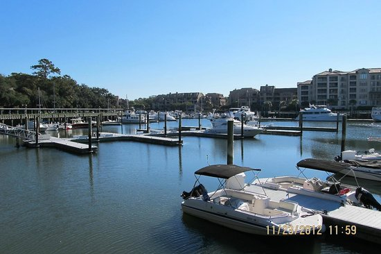 Marriott's Harbour Point and Sunset Pointe at Shelter Cove: Shelter Cove yacht basin