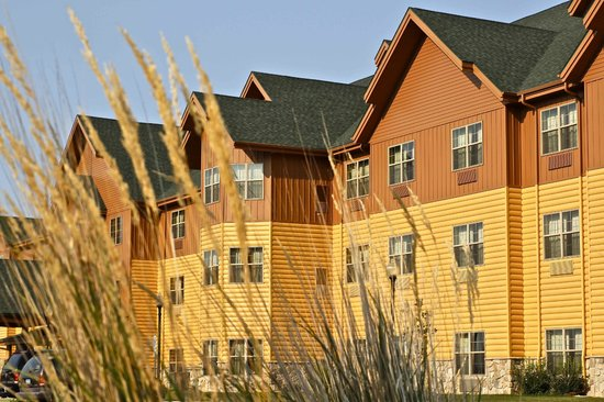 AmericInn Hotel & Suites Fargo South — 45th Street: Arbuckle Lodge