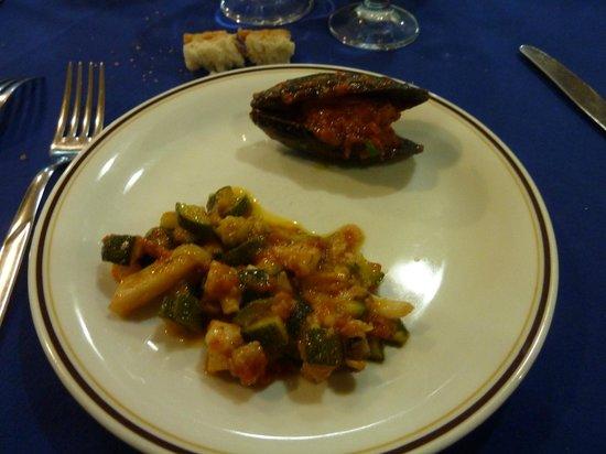 Ortona, Italien: antipasto caldo