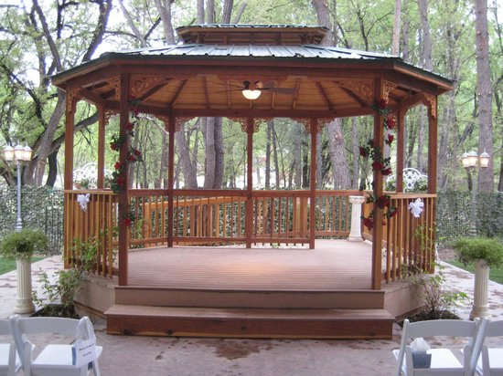 Spa Botanica Beautiful Gazebo