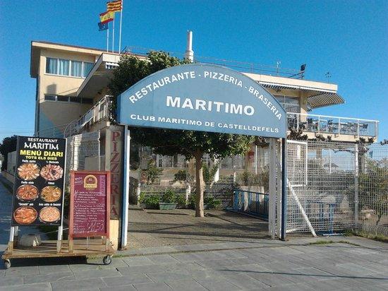 กัสเตลเดอเฟลส์, สเปน: Entrada al local, planta superior.